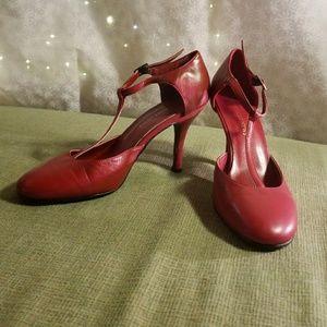 Red Newport News high heels, sz 7B